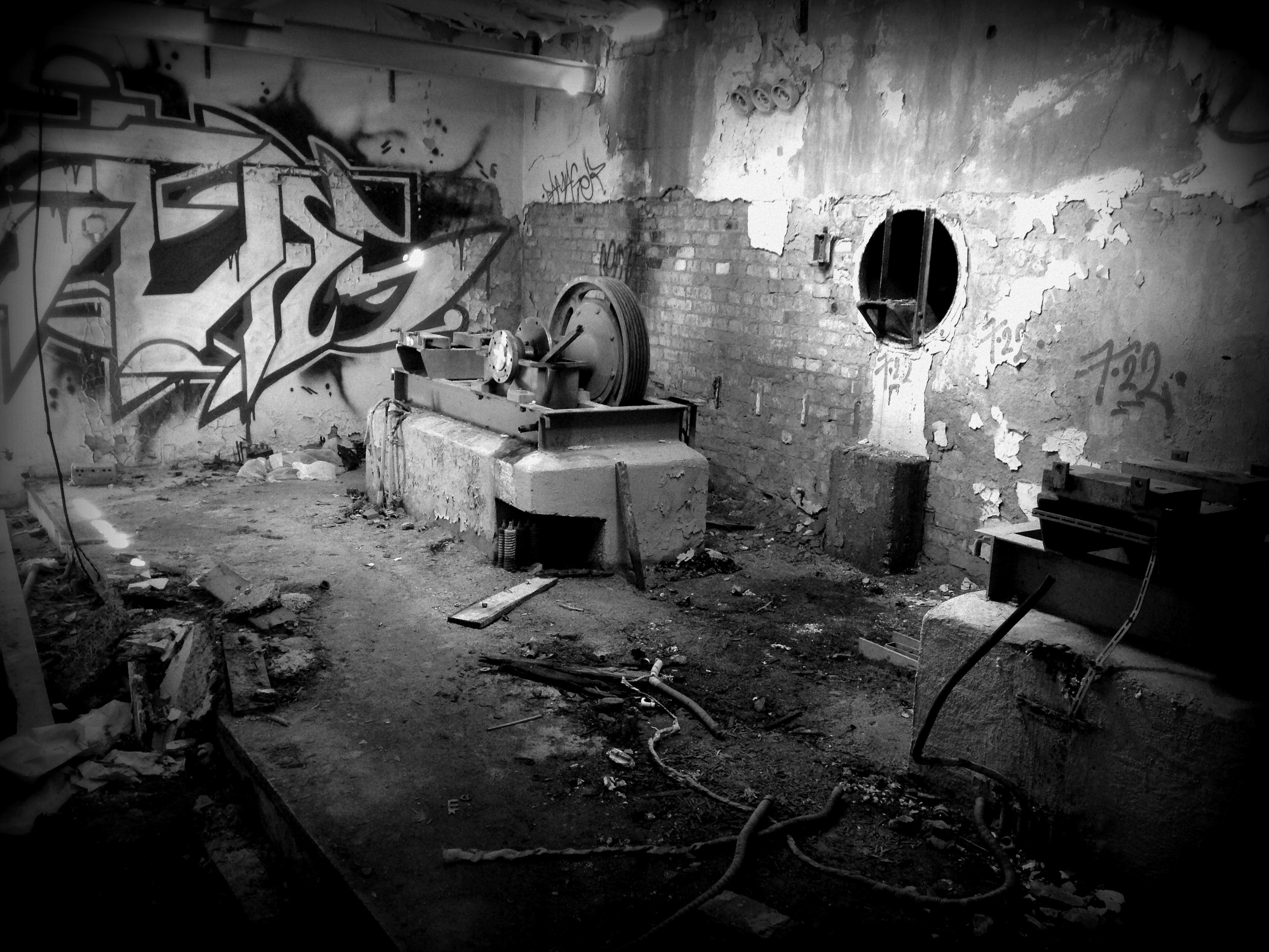 """Lost Place """"Maschinenraum von Aufzügen"""""""